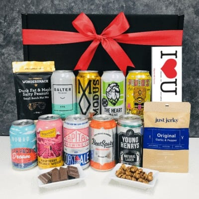 Valentines_Day_Beer_Hamper_Git_Box_with_Red_Bow_800px_0f621643-c129-4064-9597-015786d456de_400x